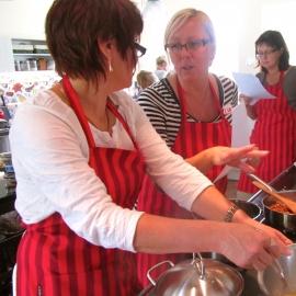 Kopli Taluköögi kokkamisüritustel valminud toitudel lastakse hiljem ühise laua taga hea maitsta